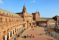 Removal Services to Seville