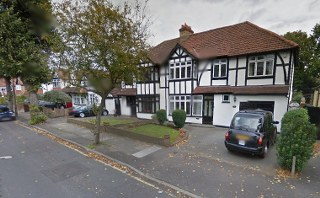 rm11 house removal in ardleigh green