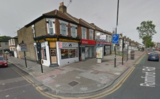 rm1 business removals in romford