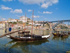 furniture removals to Porto